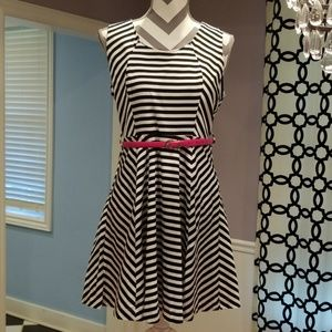 Buckle - cute B&W dress, perfect for summer.